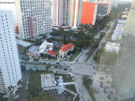 Four Seasons Hotel Miami : city-view