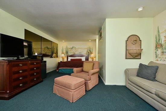 Americas Best Value Inn & Suites: Executive Suite