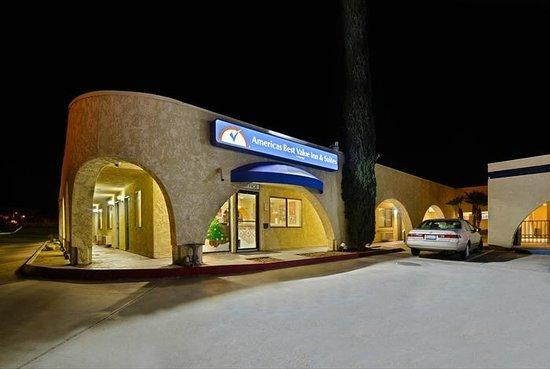 Americas Best Value Inn & Suites: Proerty