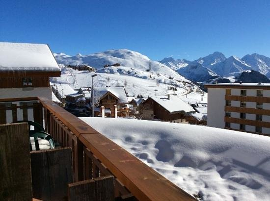 Le Castillan : Le Castillian - view from rooms to the slopes