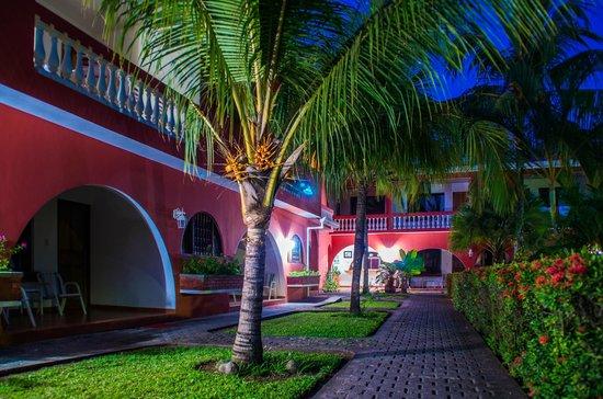 Apartotel Flamboyant: Jardines del Hotel