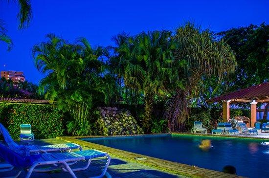 Apartotel Flamboyant: Area de piscina