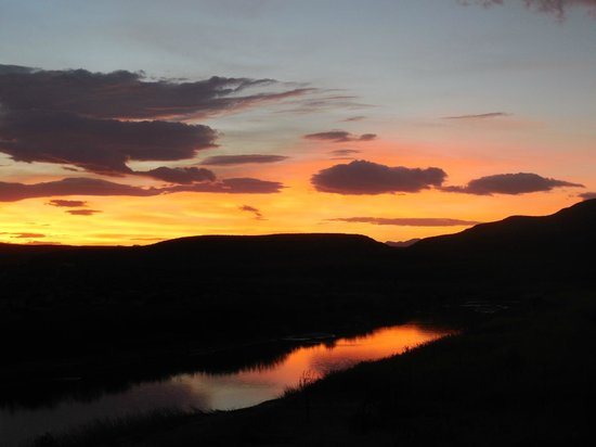 Chisos Mountains Lodge: Sunset over the Rio Grande at Boquillas Canyon