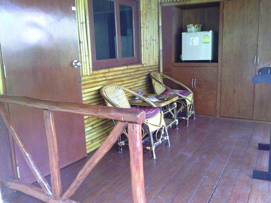 Baan Sukreep Resort: Notre petite terrasse