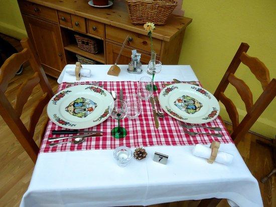 Logis de la Poste : table pour notre dîner