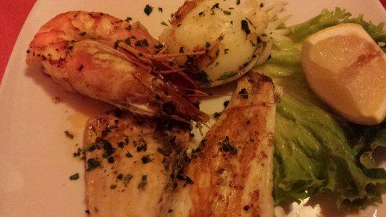 Trattoria La Pergola: grigliata di pesce