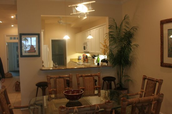 Tortuga Beach Resort : DR and Kitchen with granite counters