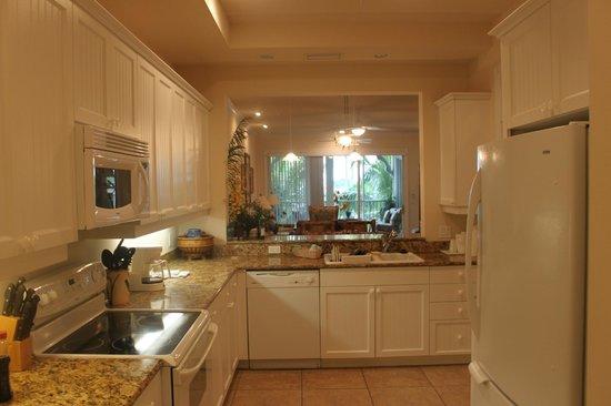 Tortuga Beach Resort: Kitchen