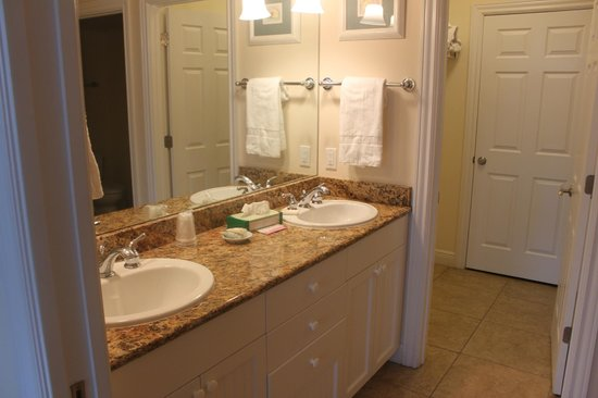 Tortuga Beach Resort: both bathrooms have double sinks with granite