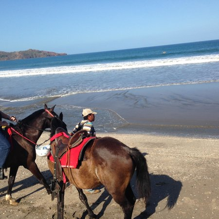Swiss Travel Costa Rica Day Tours: horse riding on the beach