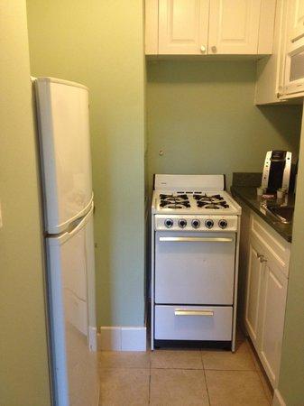 Hotel Beacon: Kitchen area