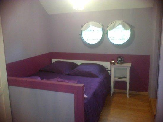 Peniche Amboise: chambre violette