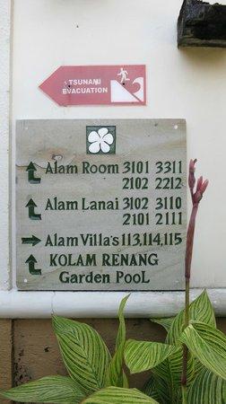 Alam KulKul Boutique Resort: signs around resort