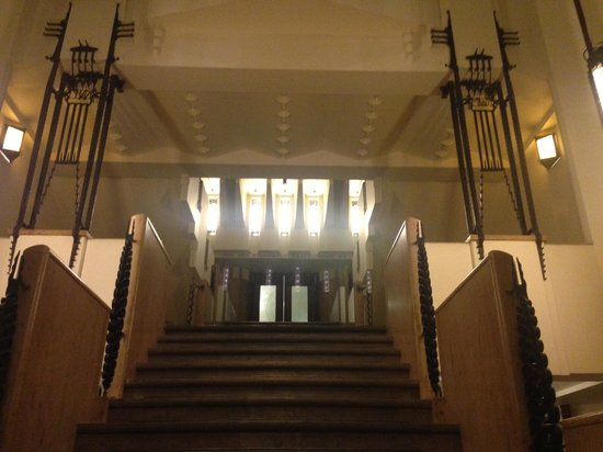 Grand Hotel Amrath Amsterdam: Come nel Castello della Adams Family !