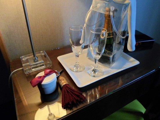 Hôtel des Arts - Montmartre: Lovely detail on arrival