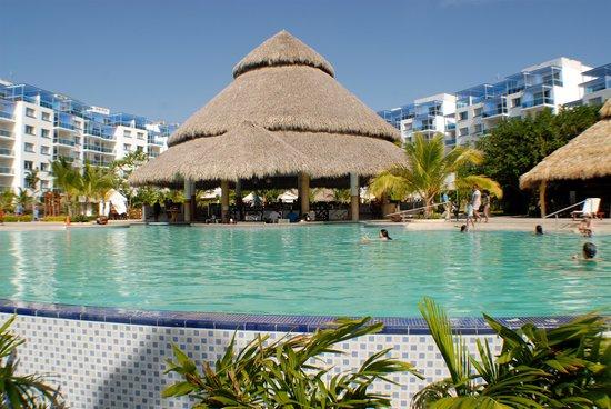Las Perlas Hotel & Resort Playa Blanca : One of three pools!