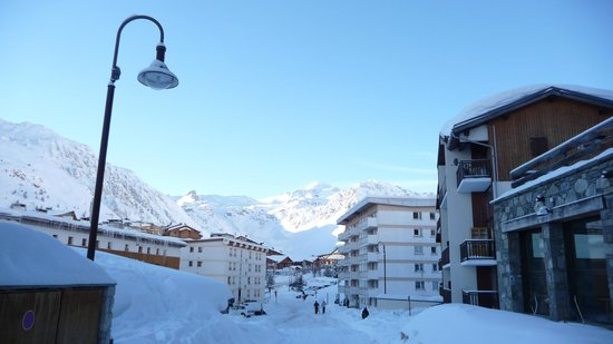 Neilson Chalet Les Andes : View from just outside chalet towards Tignes