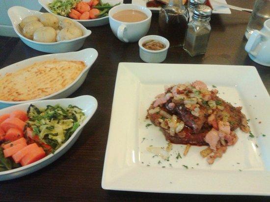 Teign Cellars: Better pub food.