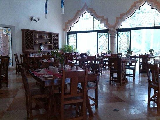 Hotel & Bungalows Mayaland: Tavoli x colazione