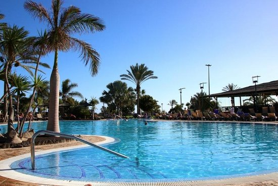 Barceló Fuerteventura Thalasso Spa: the heated pool and surrounds