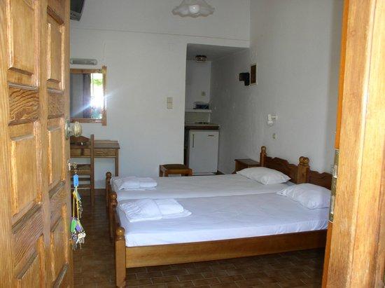 Stelios Rooms