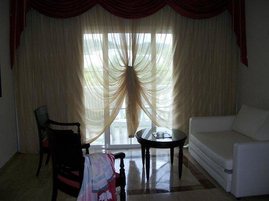 Grand Palladium Jamaica Resort & Spa: curtain detail done by maid