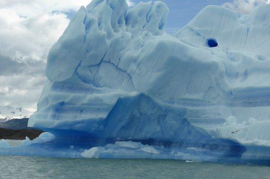 EOLO - Patagonia's Spirit: Iceberg