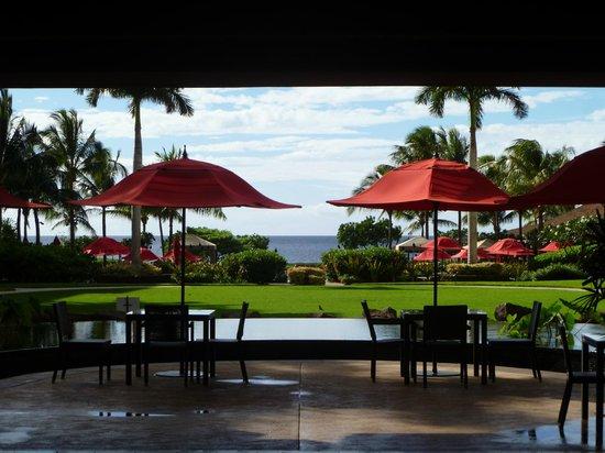 Honua Kai Resort & Spa: view from lobby