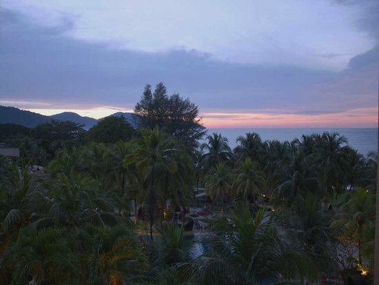 PARKROYAL Penang Resort, Malaysia: Just another sunset viewed from the room