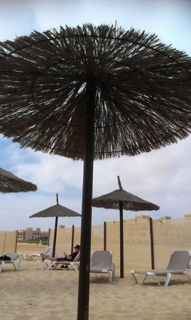 Hotel Riu Touareg: Beach parasol