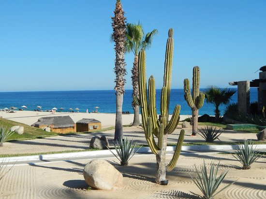 Melia Cabo Real All-Inclusive Beach & Golf Resort: View of the beautiful property