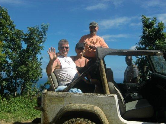 Tan Tan Tours : 4 wheeling...hang on its going to be a ruff ride!!!