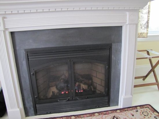 Brewster By The Sea: Fireplace
