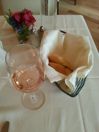 Le Yaca French Restaurant : A little wine with my dinner