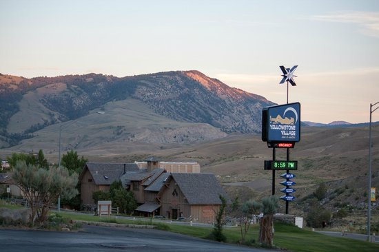 Yellowstone Village Inn: From the parking lot looking toward town