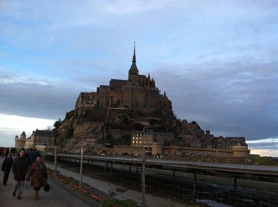 Chateau de Beaulieu : Amazing tour with Sharon at Mt St Michael