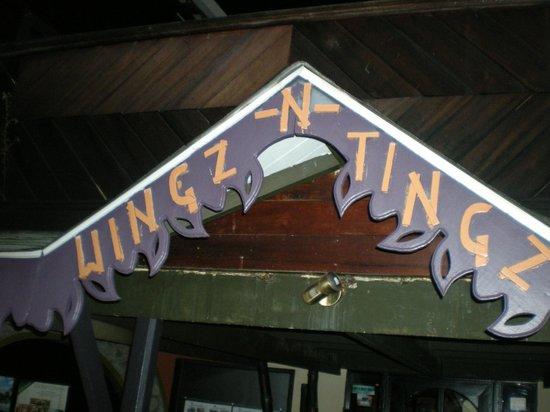 Wingz -N- Tingz: enseigne du restaurant
