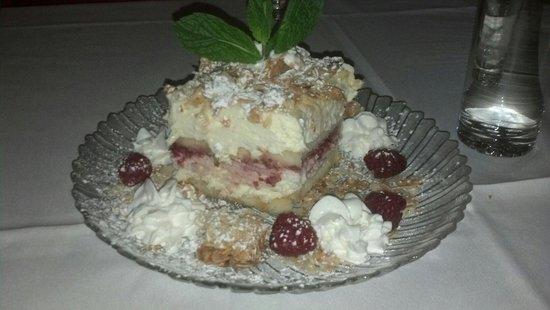 Centi Anni Alla Famiglia: Burnt almond torte tiramisu