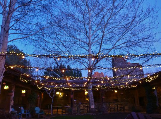 El Portal Sedona Hotel: Nice lights in the courtyard