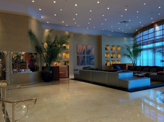 Four Points by Sheraton Miami Beach : Lobby