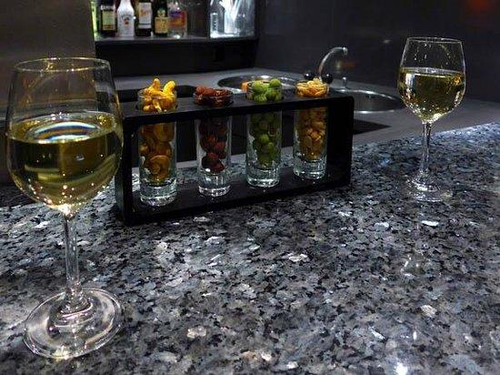 Grand Hotel Les Endroits : Bar lounge