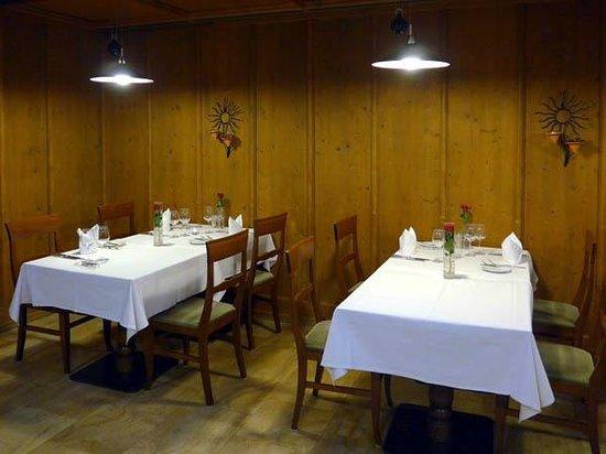"Grand Hotel Les Endroits : Dinig room ""Chez Botteron"""