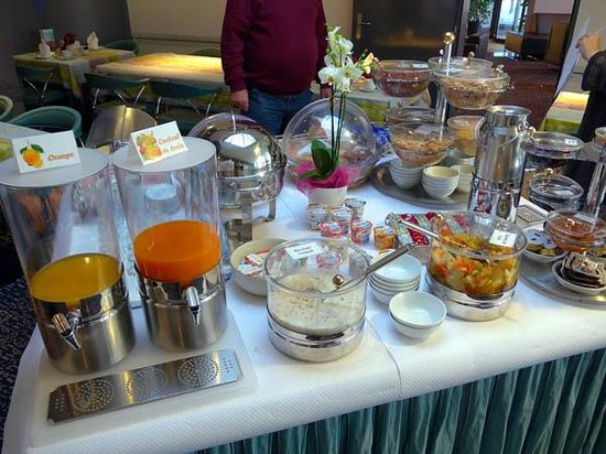 Grand Hotel Les Endroits: Breakfast Buffet