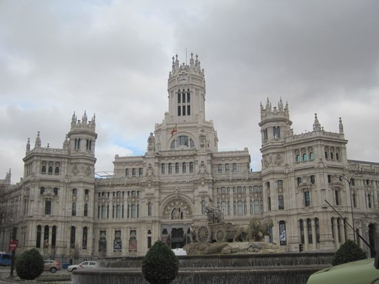 Palacio de Cibeles: view of city hall