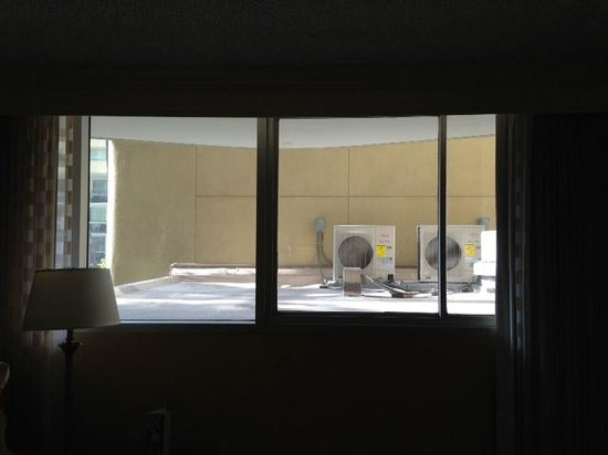 Los Angeles Airport Marriott : View from room 2038