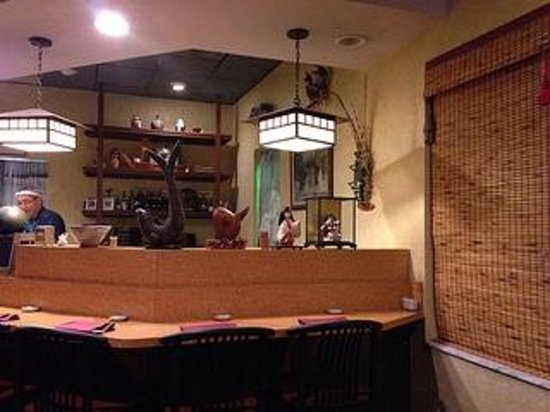 Amimoto Japanese Restaurant: Sushi Bar