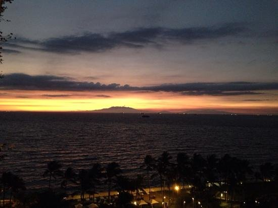 Sofitel Philippine Plaza Manila: super sunsets