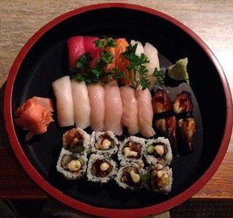 Amimoto Japanese Restaurant: Sushi Dinner