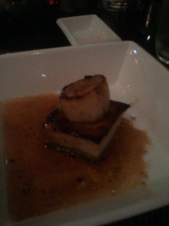 The Lobby Restaurant and Lounge: Pork belly with scallop appie