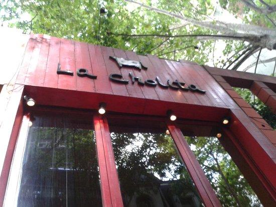 fachada La Cholita